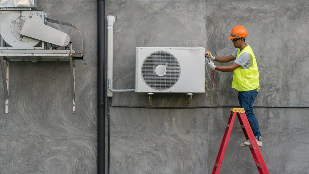 Installation remplacement d'une pompe à chaleur air eau bloc extérieur chauffagiste DEPAN'CHAUFFAGE SERVICE